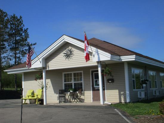 Antigonish Evergreen Inn: Entrance/Lobby