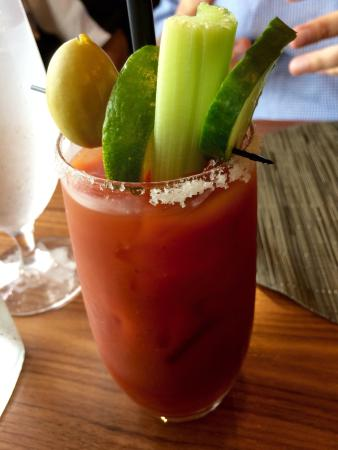 The Attic at Salish Lodge & Spa: Organic chicken pot pie, walls walla onion and bacon pizza, beef stew, Bloody Mary, view of the