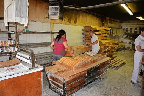 Siracusa, estado de Nueva York: Columbus Baking Co - baking area
