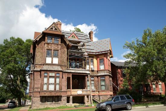 Richards House Bed and Breakfast: Authentic renovation in progress