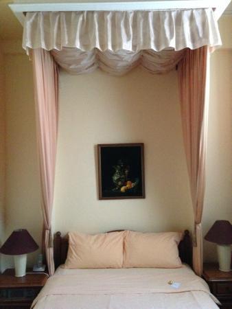 Hotel Maria Luisa: a single room