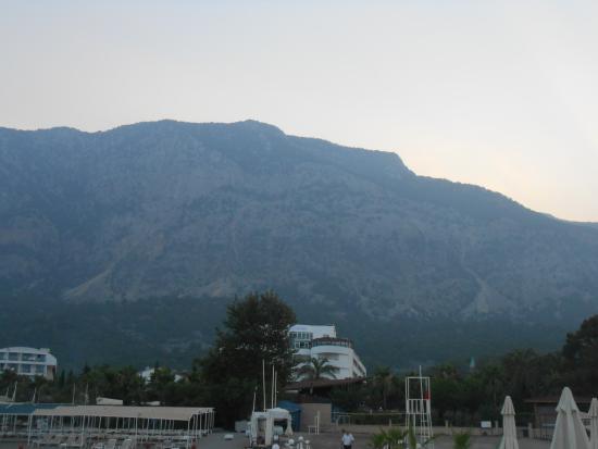 Catamaran Resort Hotel: Вид с моря
