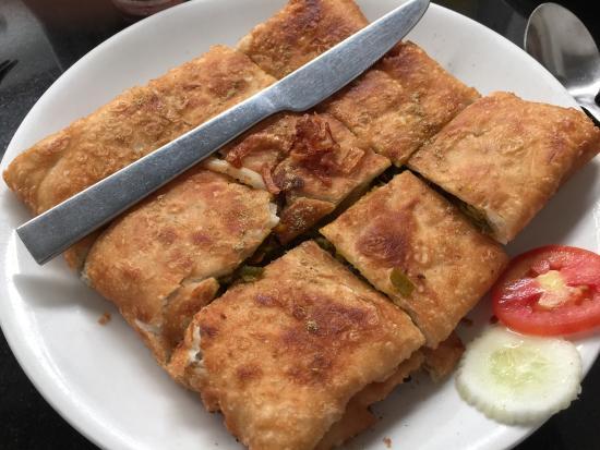 Dal Roti : Excellent Rôti Roll et Mughlai Egg Chicken Paratha. Croustillant et plein de saveurs