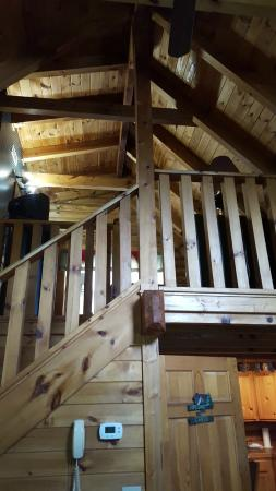 Eagles Ridge Resort Stairs To Upstairs Loft Room And Bathroom