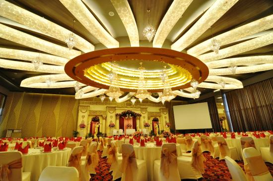 Ballroom picture of quest hotel semarang semarang tripadvisor quest hotel semarang ballroom junglespirit Images
