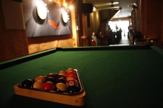 Dart And Pool Table Picture Of Manhattan Bar Ho Chi Minh City - Manhattan pool table