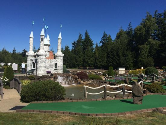 Florence, OR: Great mini golf course & the go carts were lots of fun!