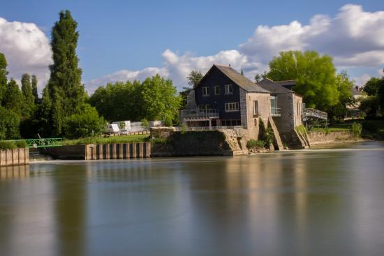 L'engrenage, Moulin de Villevêque : vue du lit du Loir