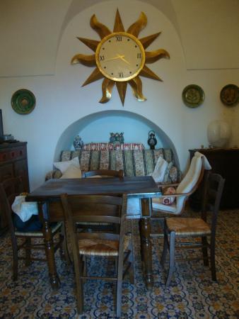 Il soggiorno - Foto di La Cossira Dammusi e Appartamenti ...