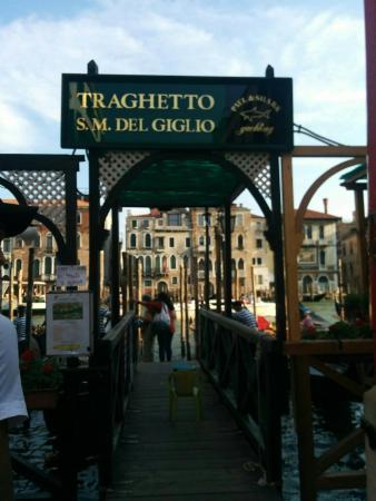 Societa Cooperativa fra Gondolieri Traghetto S. Lucia