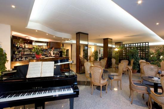 Hotel Caravel Sorrento: Bar and Piano
