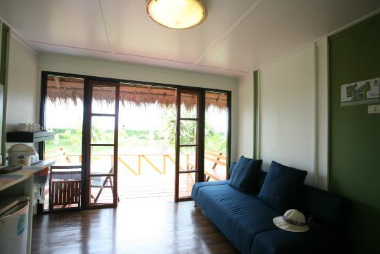 Suan Ban Krut Beach Resort : ห้องนั่งเล่น Bungalow - B