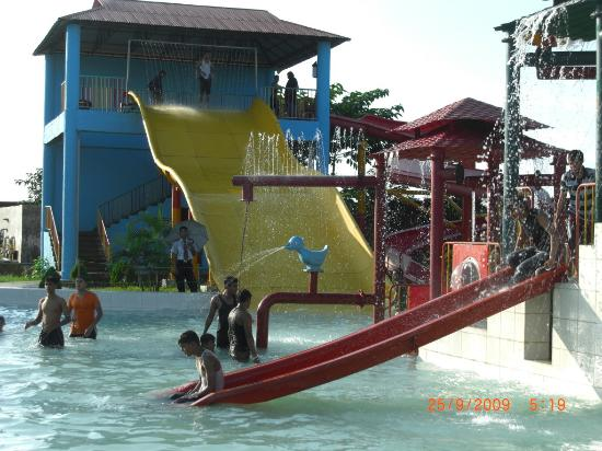 Sylhet City, Bangladesh: water ride