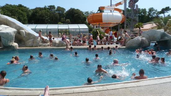 La piscine ext rieure et le grand bain photo de camping for Aubergenville piscine
