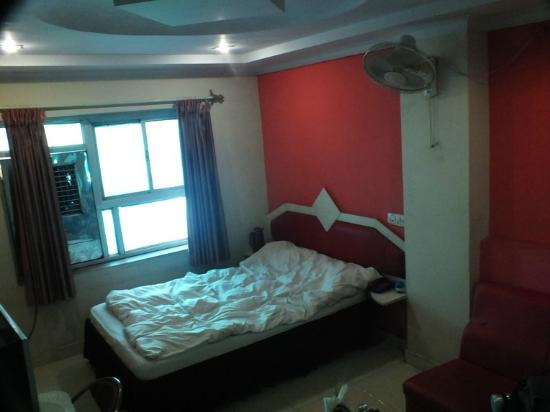 Hotel Kamal Regency: Double room