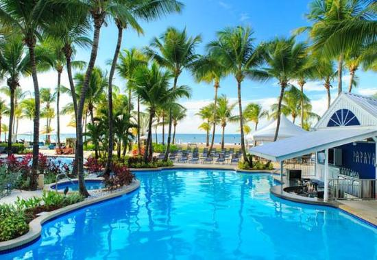 Isla Verde, Puerto Rico: Outdoor Pool & Papaya Pool Bar
