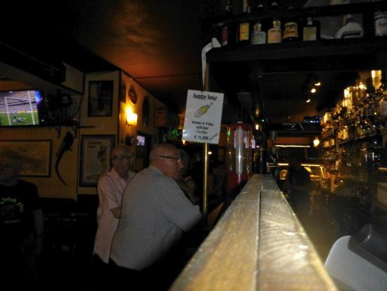 The Irish Pub: lots of beers