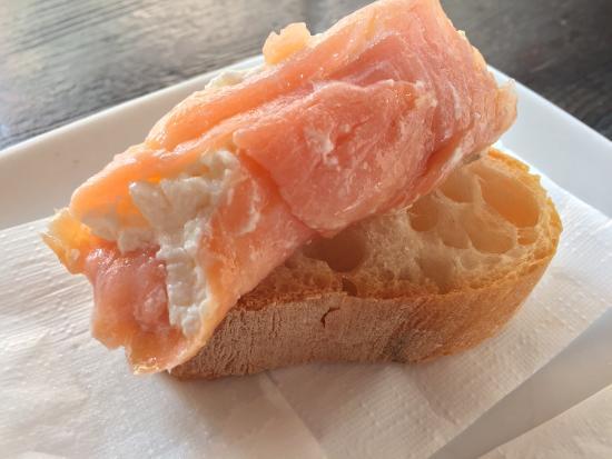 El Sbarlefo : Cicheti Delights basically snacks. Eat like a local.