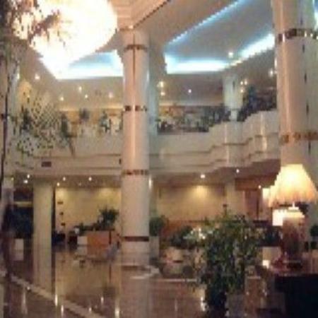 Zunyi, China: Lobby