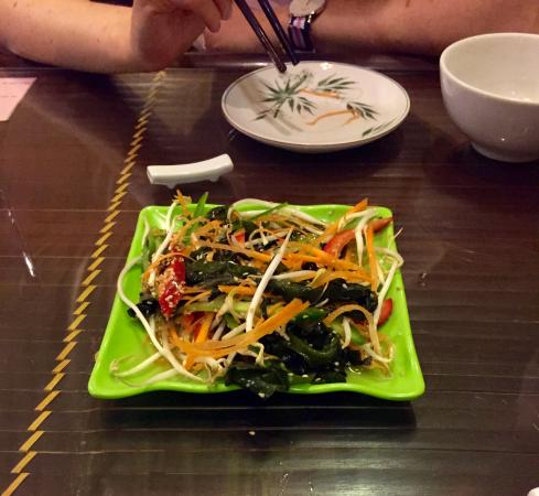 Truc Lam Trai: The seaweed salad