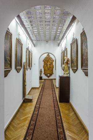 Skoczow, Poland: W salach ekspozycyjnych zgromadzono przedmioty sztuki sakralnej XVIII i XIX w.