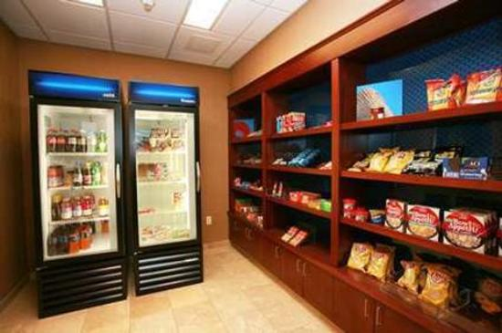 Hampton Inn & Suites Westford - Chelmsford: Suite Shop