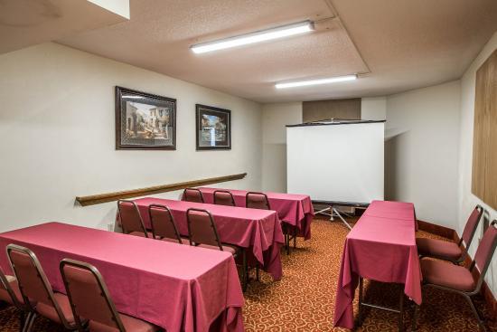 Comfort Inn & Suites Crabtree Valley: Nc Meeting