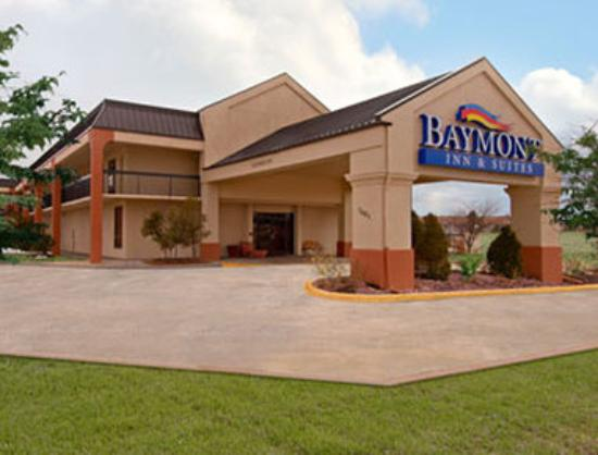 Baymont inn suites topeka updated 2018 hotel reviews for The baymont
