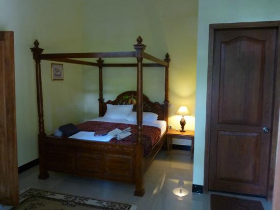 Airco Voor Slaapkamer : Luxe slaapkamer met airco picture of cilu bintang estate banda