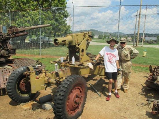 Huntsville, AL: museum volunteers with Bofors gun under restoration