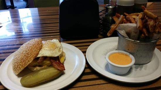 New Mexico Burger - Picture of Bobby's Burger Palace, Las Vegas ...