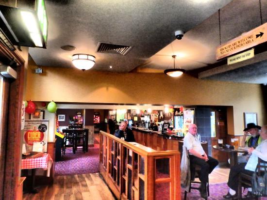 Kendal, UK: order at the bar