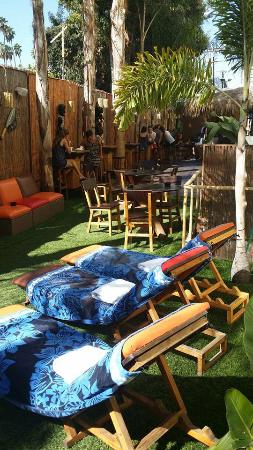 Banana Bungalow West Hollywood: Chill out zone, breakfast zone :)
