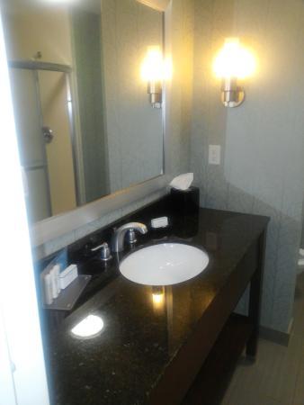 Anderson, SC: hotel bathroom