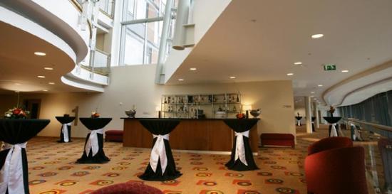 Pillo Hotel Ashbourne: Foyer