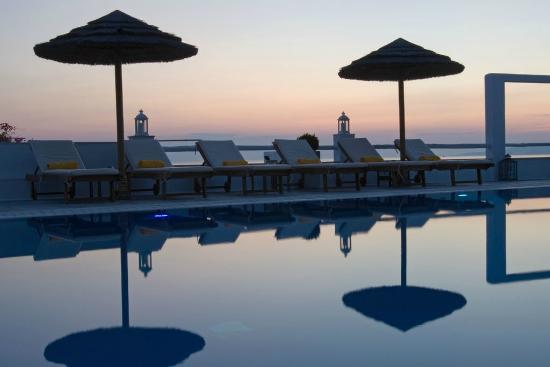Rochari Hotel: espace piscine