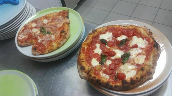 Montespertoli, Itália: Le nostre pizze