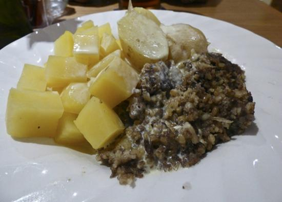 The Crown Hotel : haggis, neeps and tatties in a whisky cream sauce
