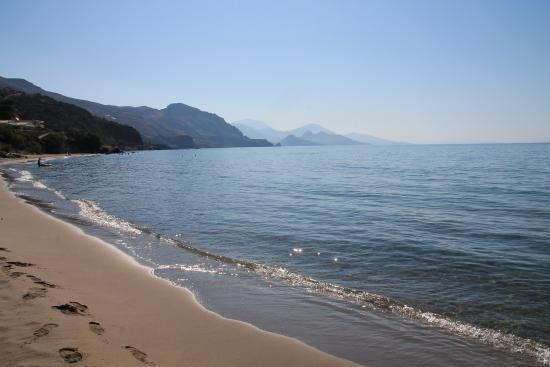 Hotel Polyrizos: der Traumstrand der Bucht von Rodakino, nur 1 Gehminute entfernt vom Hotel