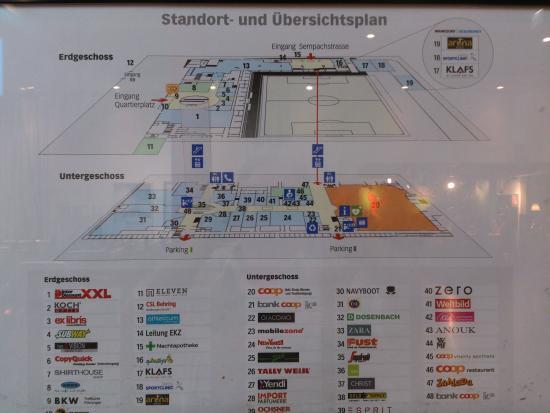 Bern wankdorf center coop megastore viel platz foto for Mobilya megastore last minute