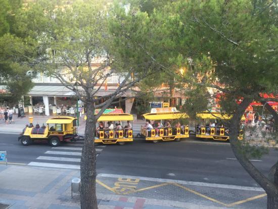Sol Alcudia Center by Melia Apartamentos : The little train around Alcudia