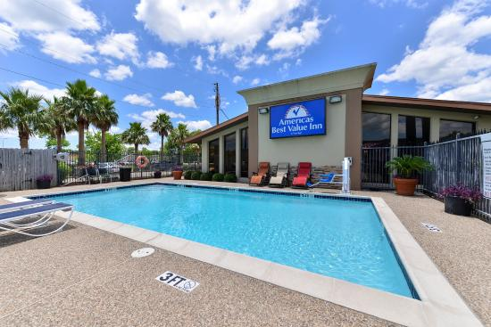 Americas Best Value Inn - Angleton: Pool