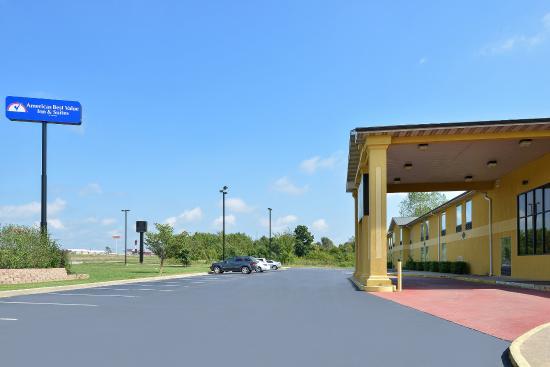 Americas Best Value Inn & Suites- Mount Vernon: Exterior