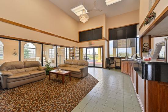 Americas Best Value Inn & Suites- Mount Vernon: Lobby