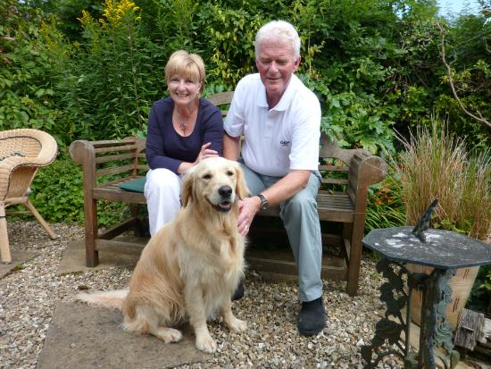 Sampford Spiney, UK: Tia with Brian and Rosie in their garden