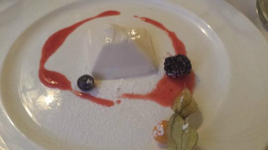 Sunstar Alpine Hotel Flims : Exquisite pannacotta