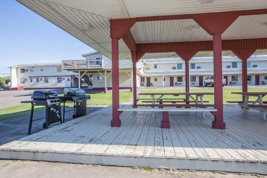 Econo Lodge: NYBbq