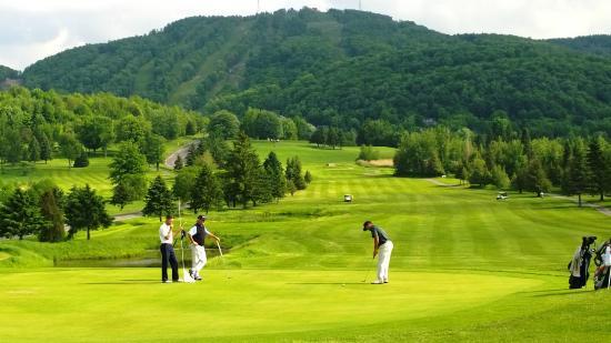 parcours panoramique Vue du golf Château Bromont - Photo de Golf Chateau  Bromont - Tripadvisor
