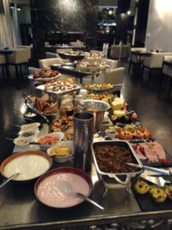 Dash Restaurant & Bar: Breakfast Buffet