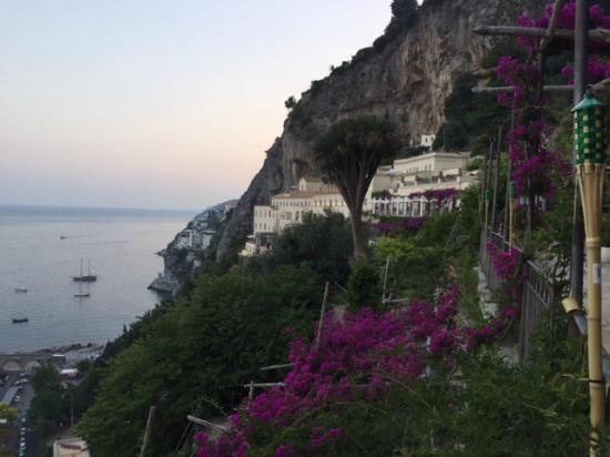 NH Collection Grand Hotel Convento di Amalfi: Vista hotel da piscina
